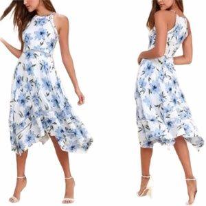 NEW Lulus Zahara Blue & White Floral Dress M